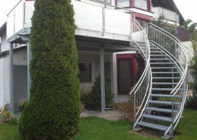 05 Balkon mit Treppe Geng S01