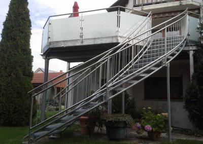 05 Balkon mit Treppe Geng S7