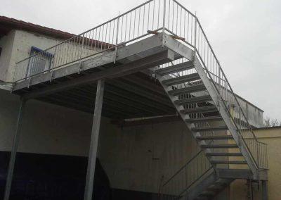10 Balkon mit Treppe Kopreiss S4